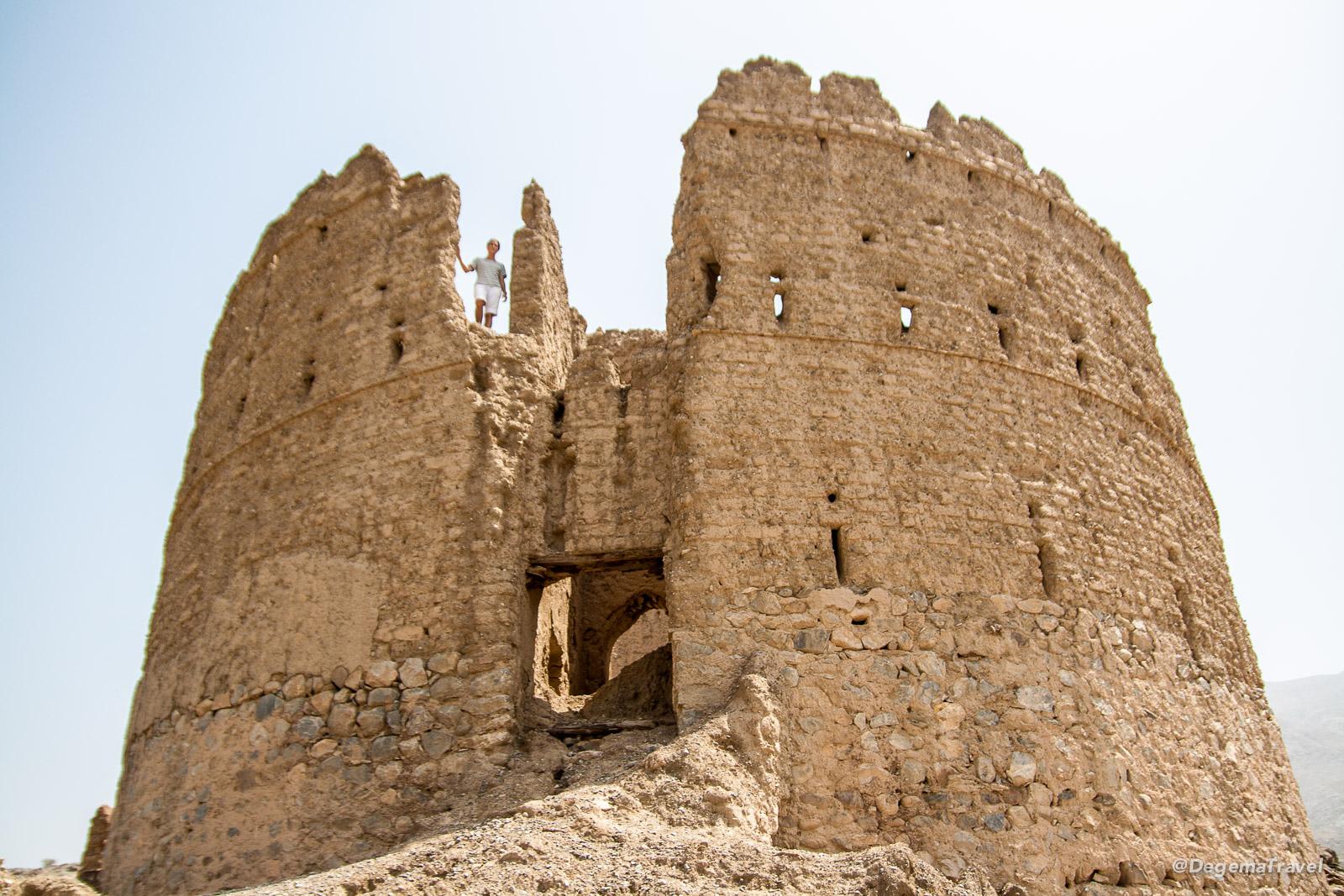 Urbex at a random tower near Rustaq, Oman