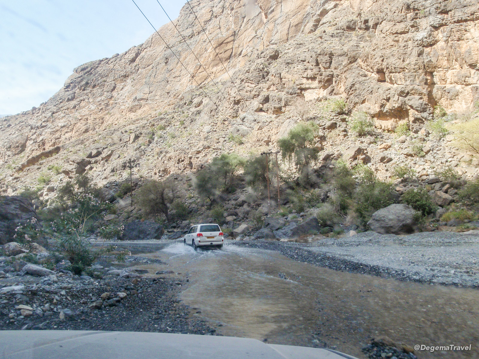 Driving to Snake Gorge in Oman