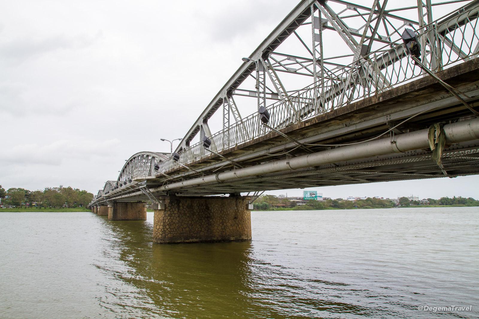 cầu Trường Tiền Bridge in Hue, Vietnam